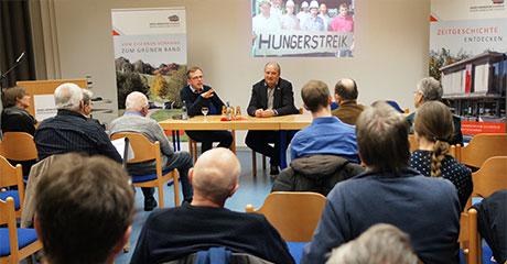 Offene Diskussion bei einer Veranstaltung